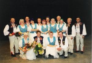 Členovia súboru v roku  2000 na 40. výročie